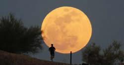 【天文】專家稱【超級月亮】與【地震】無關