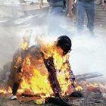 【奇聞】農婦因有【妖氣】被家人兒子活活燒死