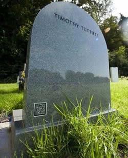 【奇聞】外國推出二維碼Q-CODE墓碑:掃描可獲墓主的信息